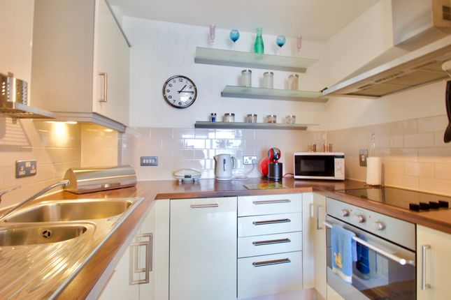 1 bed flat to rent in Southern Row, London