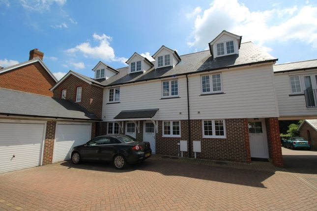 Thumbnail Property to rent in Sherway Close, Headcorn, Ashford