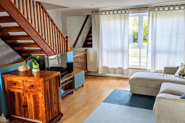 2 bed flat for sale in Wykeham Crescent, Oxford OX4