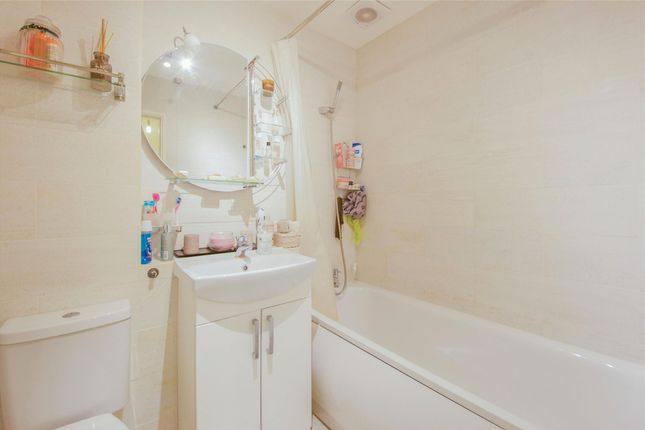 Bathroom of Pageant Avenue, London NW9