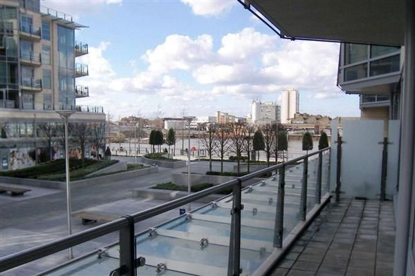 2 bed flat for sale in Kingfisher House, Battersea Reach, Juniper Drive, London