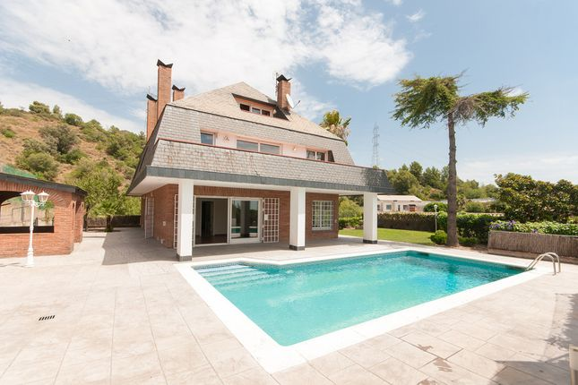 Villa for sale in Sant Just Desvern, Barcelona, Spain