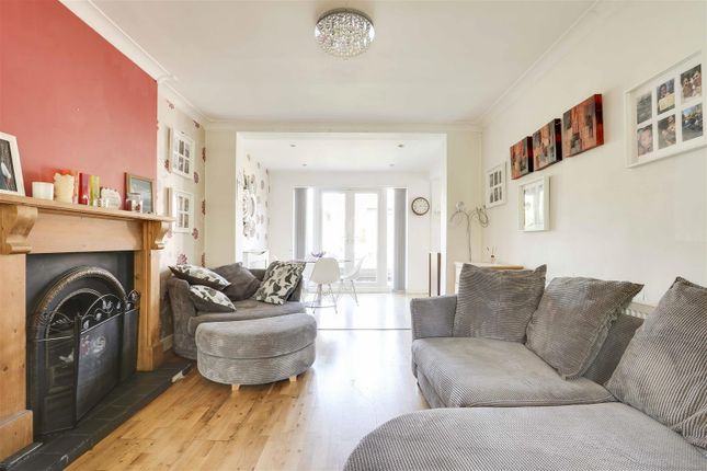 18452 of Kingswell Road, Arnold, Nottinghamshire NG5