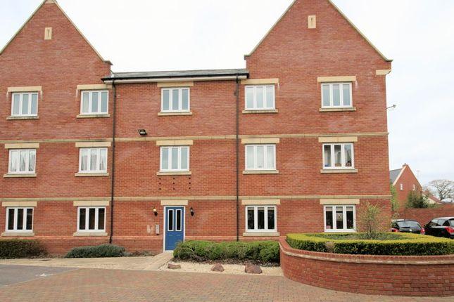 Thumbnail Flat for sale in Pulsar Road, Swindon