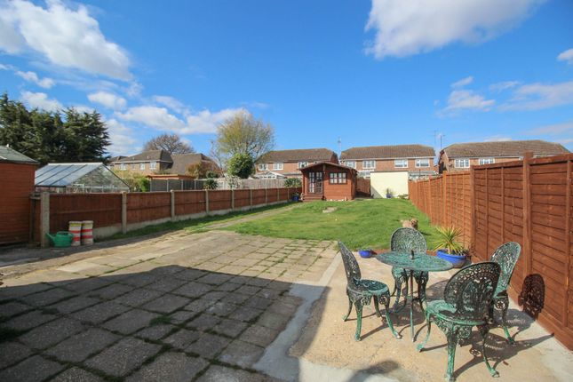 2 bed semi-detached bungalow for sale in Deirdre Avenue, Wickford SS12