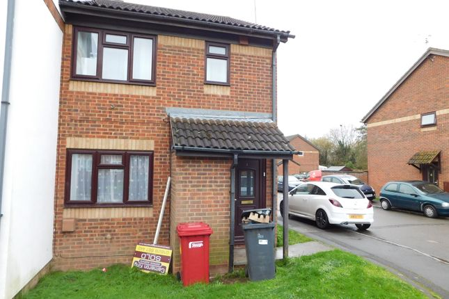 Thumbnail Maisonette to rent in Hardy Close, Slough