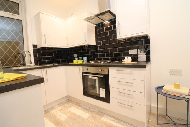 Thumbnail Terraced house to rent in Queen Victoria Street, Blackburn