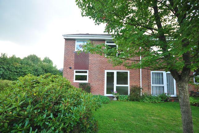 Thumbnail Maisonette to rent in Farriers Close, Billingshurst