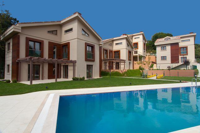 Thumbnail Villa for sale in Gündüler Sokak, Zekeriyaköy, Tr