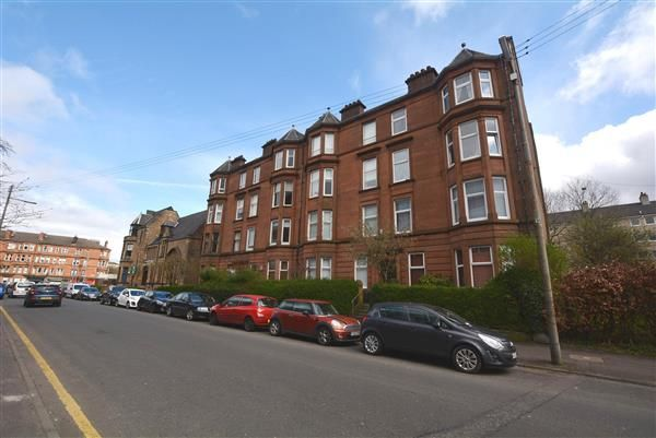 2 bed flat for sale in Craigpark, Dennistoun