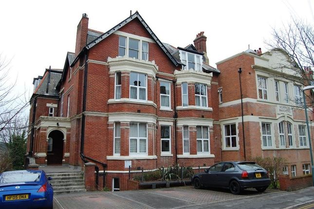 Thumbnail Flat to rent in Norwich Avenue West, Westbourne, Bournemouth