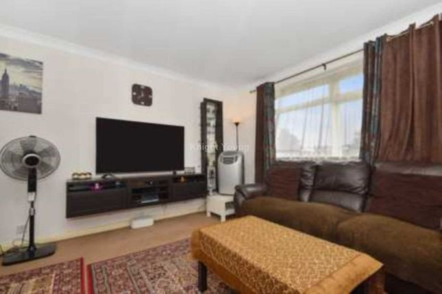 2 bed detached house to rent in Long Acre Court, Argyle Road, London