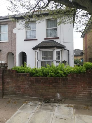 Maisonette for sale in Queens Road, Southall
