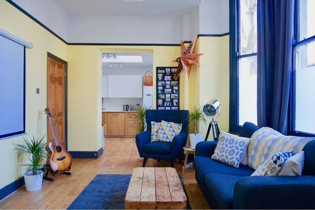 Thumbnail Flat for sale in 2 Cavendish Road, London