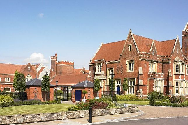 Thumbnail Flat for sale in 3, The Chapel, The Galleries, Warley, Brentwood, Essex