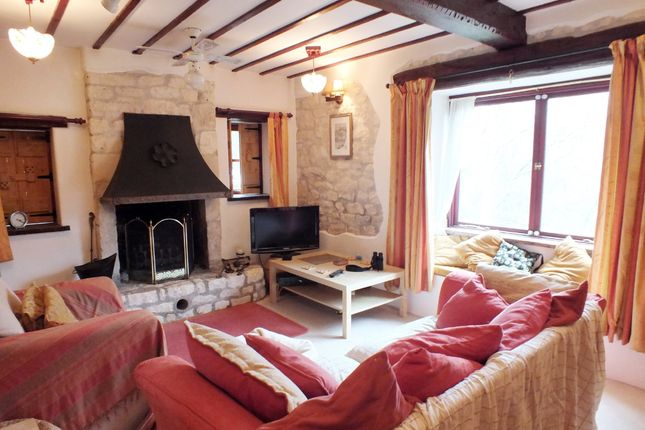 Thumbnail Cottage for sale in Bath Road, Nailsworth, Stroud