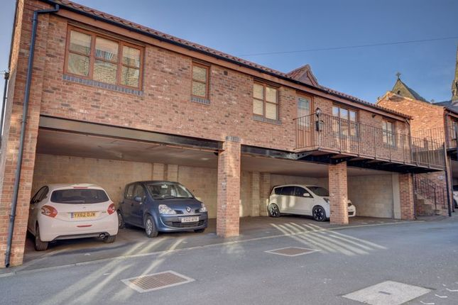 2 bed property to rent in Mount Square, East Crescent, Whitby