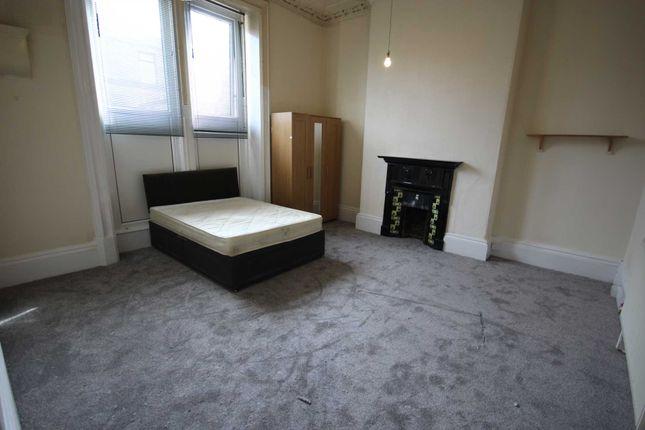 Room to rent in Arundel Street, Mossley, Ashton-Under-Lyne