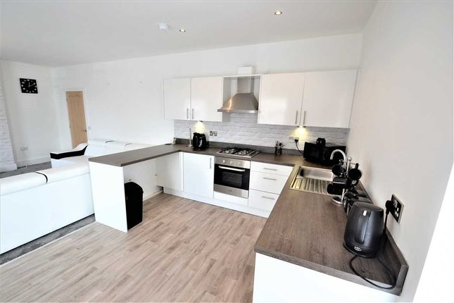 Thumbnail Flat to rent in Chorley Road, Westhoughton, Bolton
