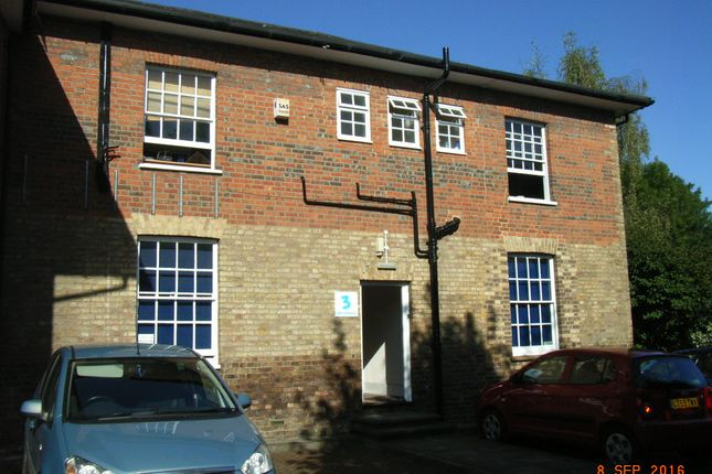 Thumbnail Office to let in Amersham Road, Chesham