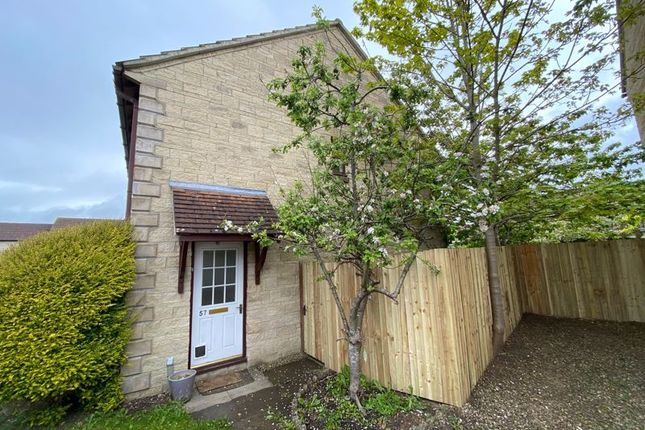 2 bed semi-detached house to rent in Magnolia Rise, Calne SN11