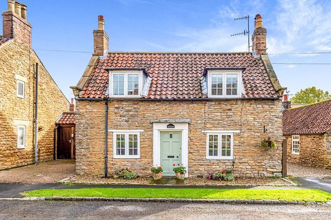 4 bed cottage to rent in Main Street, Hutton Buscel, Scarborough, North Yorkshire YO13
