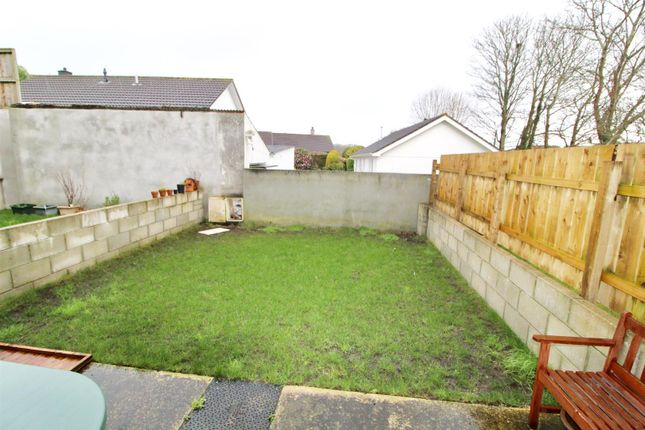 Falmouth Road Helston Tr13 3 Bedroom Terraced House For