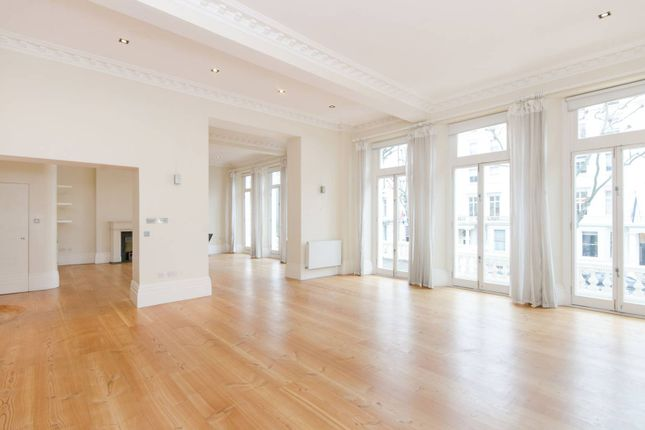 Thumbnail Flat to rent in Queens Gate, South Kensington