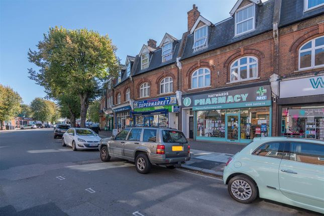 Thumbnail Flat for sale in Queen Annes Place, Bush Hill Park, Enfield