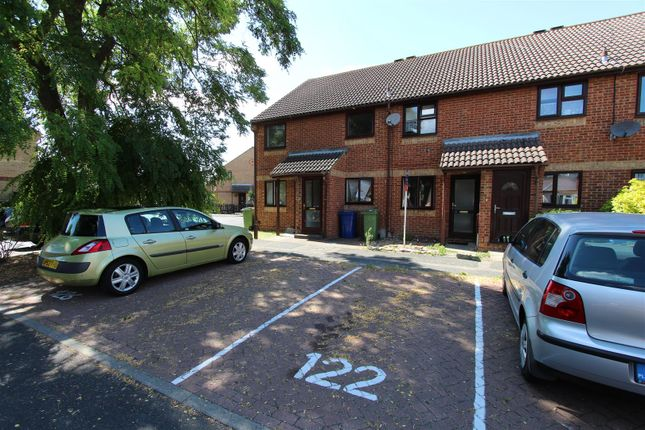 Thumbnail Maisonette to rent in Beauvoir Drive, Kemsley, Sittingbourne