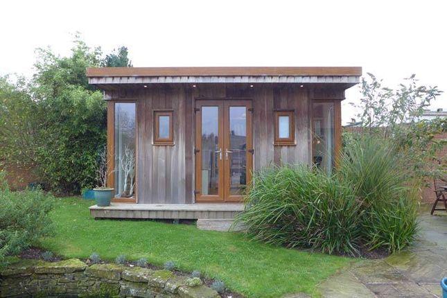 Garden Room of Broadpool Lane, Hambleton, Poulton-Le-Fylde FY6