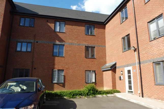 Thumbnail Flat for sale in Kirkistown Close, Rugby