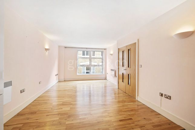 Thumbnail Property for sale in Black Bull Court, 18 Hatton Wall, London