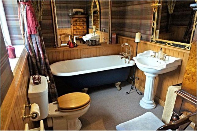 Bathroom of Whitlas Brae, Larne BT40