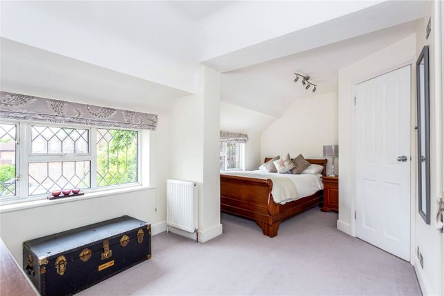Picture No. 14 of Orchard End, Weybridge, Surrey KT13