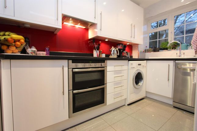Thumbnail Property to rent in Chalcot Close, Sutton