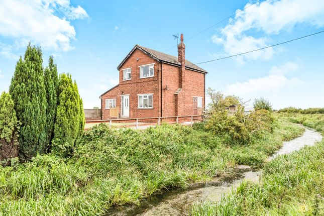 Thumbnail Detached house for sale in Moor Road, Thorne, Doncaster