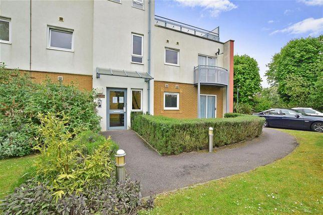 2 bed flat for sale in Trafalgar Gardens, Three Bridges, Crawley, West Sussex