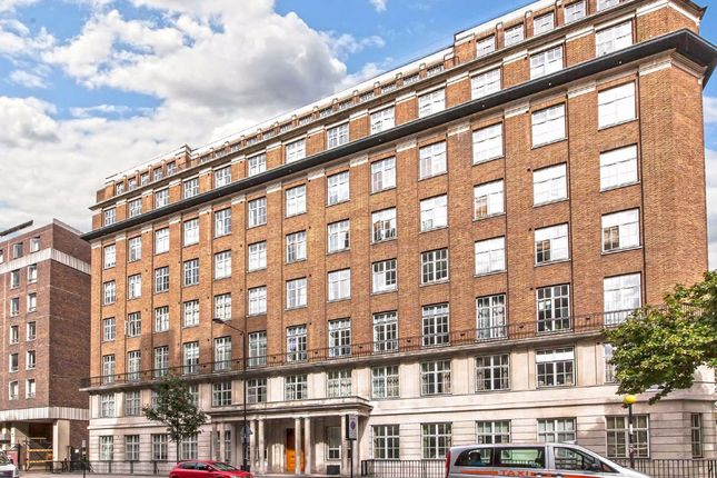 Flat to rent in Russell Square, London