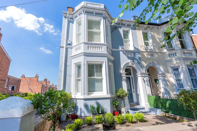 Thumbnail Semi-detached house for sale in Avenue Road, Leamington Spa, Warwickshire