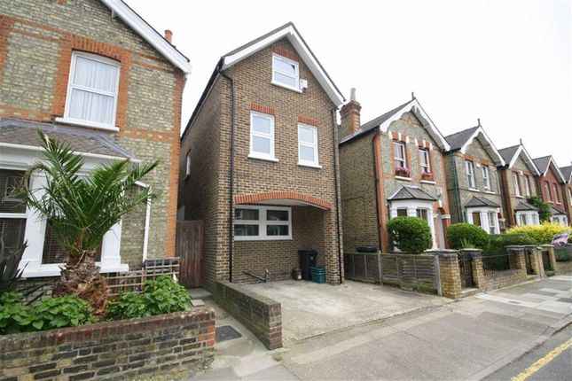 Thumbnail Flat to rent in Chatham Road, Norbiton, Kingston Upon Thames