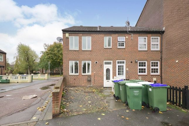 Thumbnail Property to rent in Fieldfare Road, London