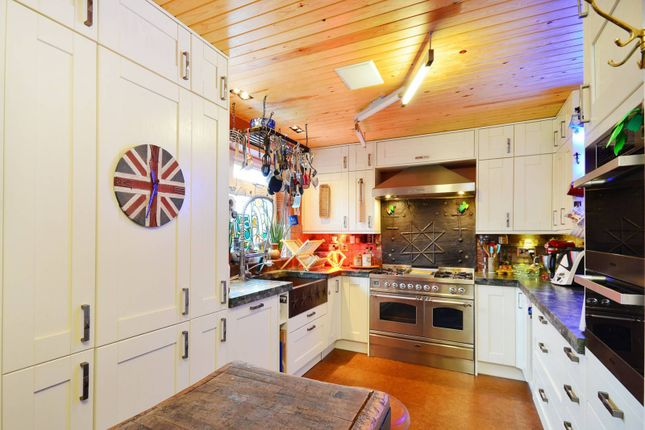 Thumbnail Terraced house to rent in Chiswick Quay, Grove Park, London