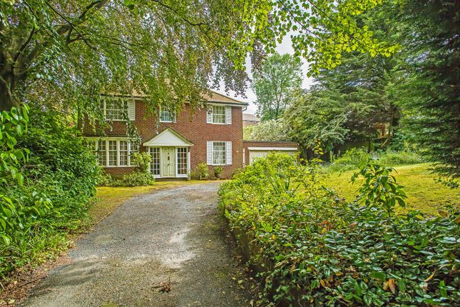 House-Hollymeoak-Road-Chipstead-1002