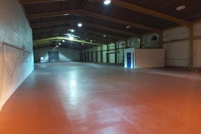 Thumbnail Warehouse to let in George Street, Livingston