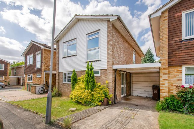 Thumbnail Link-detached house for sale in Leslie Gardens, Sutton