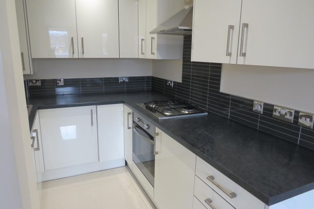 1 bed flat to rent in Station Approach, Farningham Road, Crowborough TN6