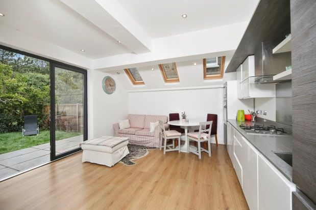 Thumbnail Flat to rent in Silver Crescent, London
