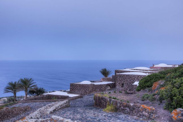 9 bed town house for sale in 91017 Pantelleria, Province Of Trapani, Italy