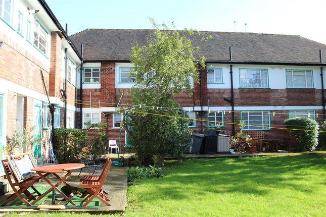 Thumbnail Maisonette to rent in Denison Close, London
